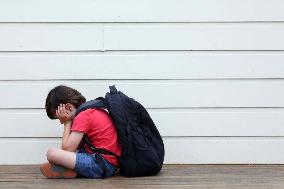 Phobie scolaire Toulouse - Enfant seul