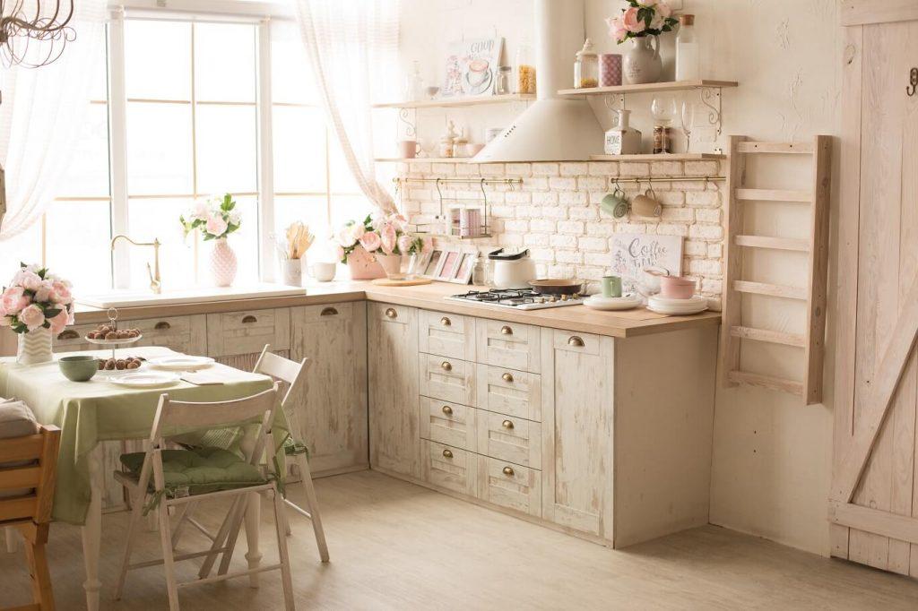 Cuisine style campagne : transformez votre cuisine avec une décoration unique