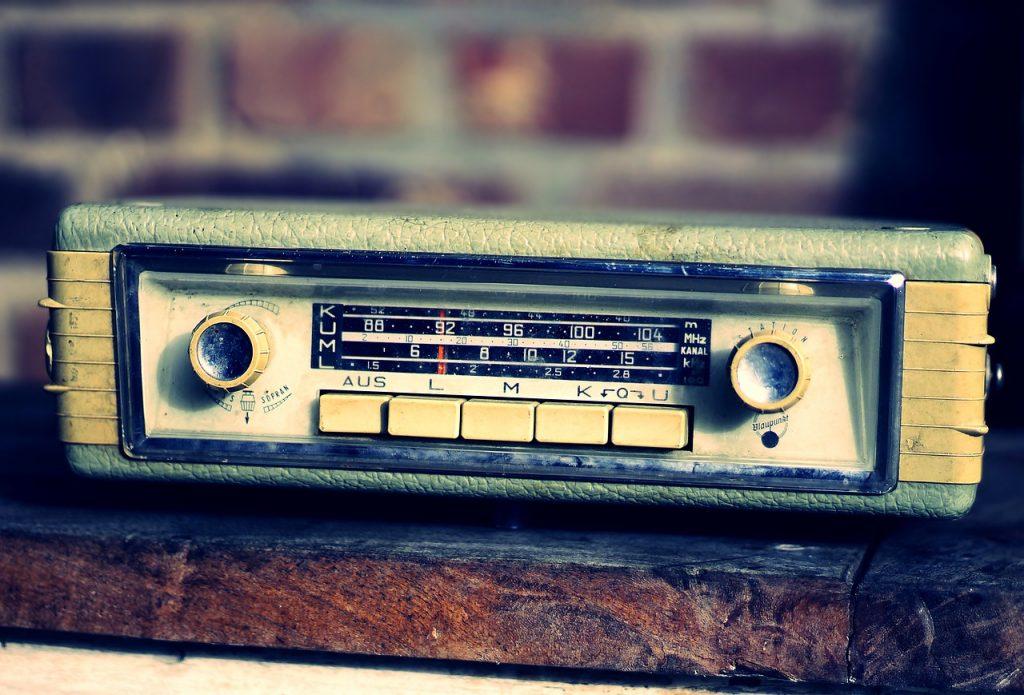 autoradio, retro, generations-4672254.jpg